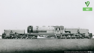 Photo of لوکوموتیو راه آهن سراسری ایران. تاریخ: ۱۹۴۰ میلادی.